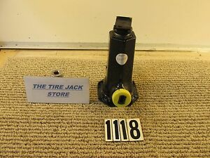 02 04 Jeep Liberty Tire Jack Oem 03