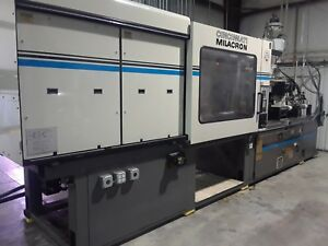 440 Ton Cincinnati Injection Molding Machine 1996