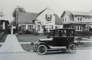 1920 Ford Model T Center Door In Front Of A Home 12 By 18 Black White Picture