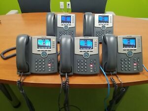 Lot Of 5 Cisco Ip Phone Spa525g2 5 line W Handset Great Condition