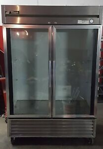 True Commercial Refrigerator T 49 Glass Door Fridge Good Shape Working W shelves