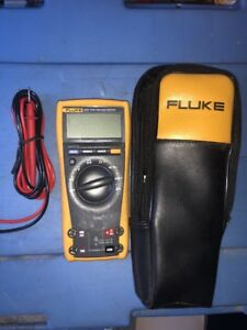 Fluke 177 True Rms Multimeter With Leads And Case