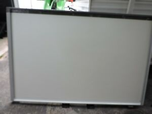 Smart Sbx885 Interactive White Board A Couple Small Dents But Works Great