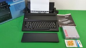 At t 6100 Electronic Typewriter W Cover Portable W Manual