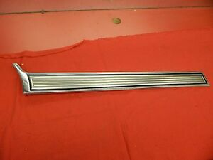 Nos 72 Ford Gran Torino Wagon Lh Rear Lower Quarter Moulding d2oz 7129039 b