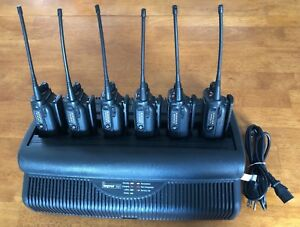 Lot Of 6 Motorola Ht750 Uhf 403 470mhz Portable Radios 4w 16ch W multi Charger