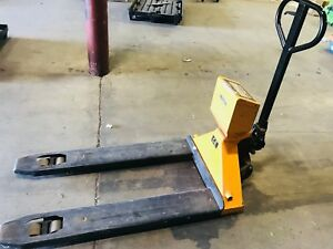 Uline Pallet Jack Truck With Built In Scale 5 000 Lbs Industrial