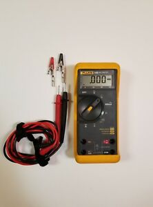 Fluke 73 Series Iii Multimeter With Leads And Gator Clips