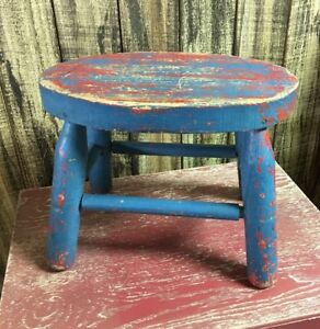 Rustic Farmhouse Milking Stool Barnwood Chippy Paint Wood Stool Plant Stand