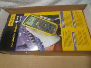 New Fluke 1507 Insulation Tester Original Box Accessories Sweet With Leads
