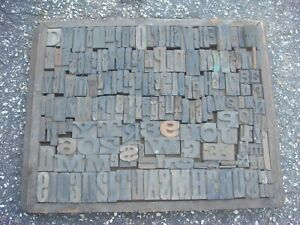 Antique Wood Type In Tray Dirty Very Old Over 150 Pieces