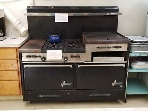 Garland Commercial Gas Stove 4 burner With Double Oven Broiler