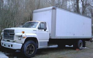 1995 Ford Model F700 Box Truck Cargo Van Shipping Movers Trailer Boxtruck Cube