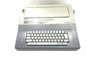 Smith Corona Electronic Electric Typewriter Xl 1900 Model 5a 1 Works Great Vgc