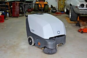 Nilfisk Advance Terra 132b Self Propelled 32 Walk Behind Sweeper Complete