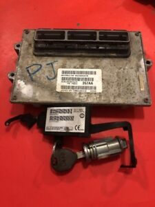 02 Jeep Grand Cherokee Wj 4x4 Ecu Computer Immob Key 4 0 P56044357aa