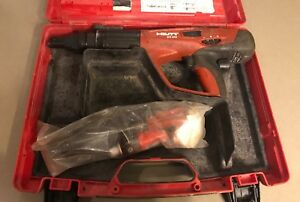 Hilti Dx460 Powder Actuated Fastening Tool W Case And Cleaning Brushes Used