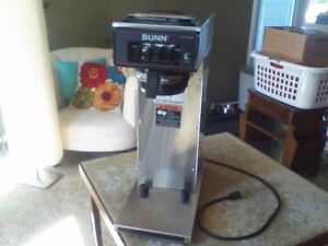 Commercial Bunn Pourover Airpot Coffee Brewer Model Cw15 aps Pf