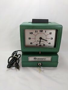 Acroprint Time Recorder Clock Model 125nr4 With Key