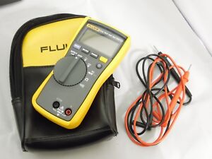 Fluke 114 Compact Electrical True Rms Digital Multimeter Cat Iii 600v