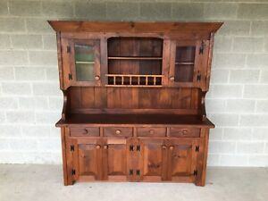 Hunt Country Furniture 2 Piece Hutch China Cabinet Buffet