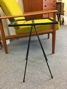 Vtg 1950s Mid Century Modern Black Metal Triangular Leg End Table Plant Stand