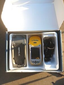 Trimble Geo Xh Geoexplorer 2005 Series 60950 00 With Car Charger With Terrasync