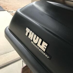 Thule Rooftop Cargo Box Yakima Doublecross Towers Mounting System