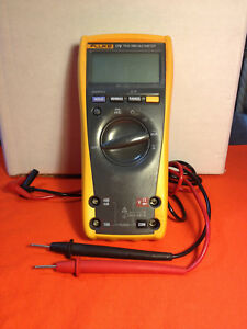 Fluke 179 True rms Digital Handheld Multimeter