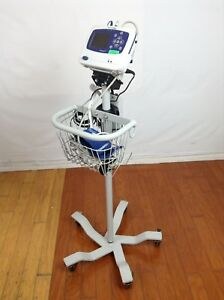 Welch Allyn Propaq Lt Vital Signs Monitor W Spo2 Ecg Nibp Stand Power Pack
