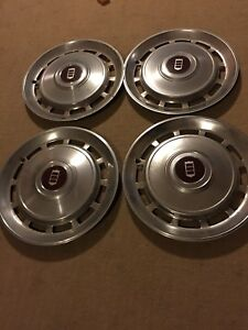 Lincoln Continental Hubcaps 1970 S