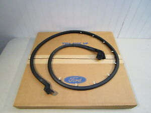 Nos 1966 1977 Ford Bronco Rh Door Seal weatherstrip New In Ford Box