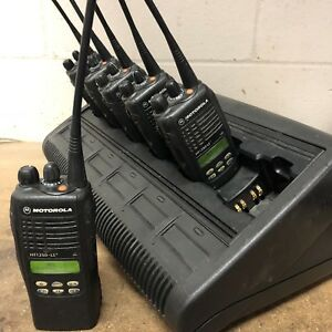 Set Of 6 Motorola Ht1250 Ls Uhf 16 Channel Radios Aah25sdh9dp5an 450 510mhz