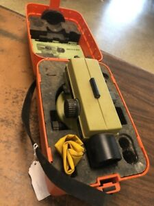 Wild leica Na28 Level Heerbrugg With Case