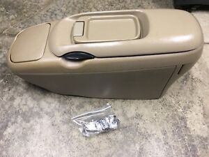 88 98 Silverado Sierra Tahoe Suburban Yukon Light Tan Center Console Cup Holder