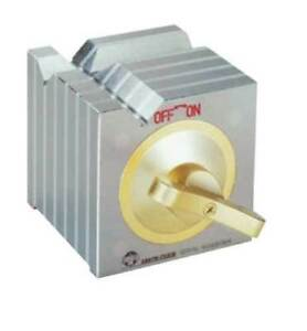Earth chain Ece 100 4 X 4 X 4 Magnetic Square V block 88 Lbs Holding Power