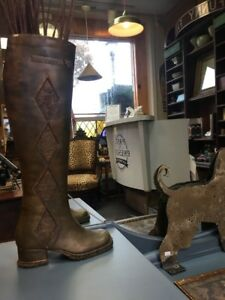 Vintage Copper Rubber Boot Mold Ladies Knee Boot Fashion Cool