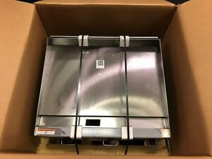 returned Wolf Agm36 Manual Control Heavy duty Gas Griddle 36 X 24 Natural