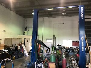 Two post Lifts 18 000 lb Capacity Clearfloor Standard Arms