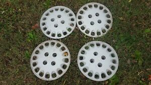 Set Of Four 14 1992 93 Honda Accord Aftermarket 16 Hole Hubcaps Wheel Covers