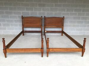 Kindel Furniture Vintage Hollywood Regency Neoclassical Style Pair Of Twin Beds