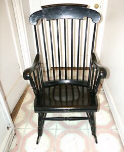 Black Lacquer Solid Wood Vintage Rocking Arm Chair Sk 6181 In Good Condition
