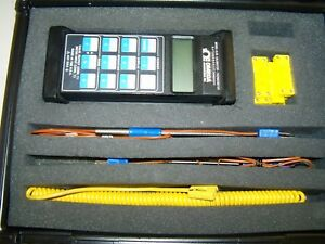 Omega Cl25 Calibrator Muliple Thermocouple Capable With Accessories