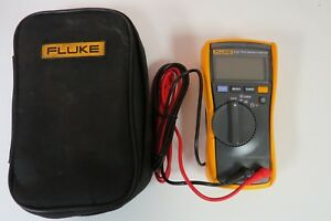 Fluke 113 True Rms Multimeter W Test Leads And Case Excellent Condition