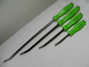 Snap on 4 Piece Green Striking Prybar Set
