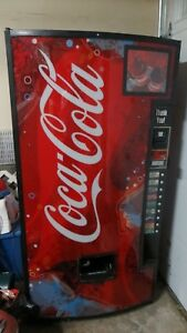 Coke Soda Vending Machine Intellivend 2000