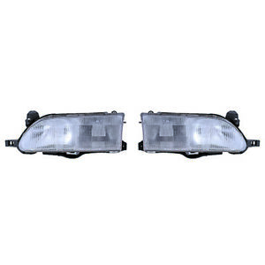 Fits 1993 1997 Toyota Corolla Pair Head Lights Driver And Rh W Bulbs