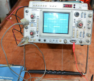 Tektronix 475 Oscilloscope With Dm40 With Service Manuals Original Schematics