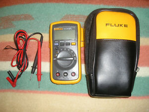 Fluke 112 True Rms Multimeter