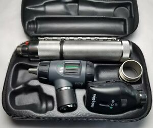 Welch Allyn 3 5v Diagnostic Set 23820 Macroview Otoscope Ophthalmoscope 97200 mc